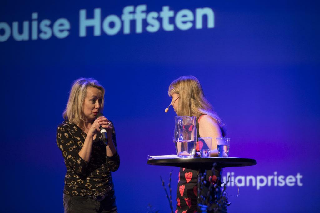 Jag intervjuar Louise Hoffsten på scen på S:t Julianpriset 2016